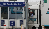 border-control-lorry-uk